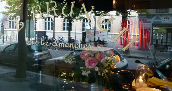 Meio-dia em Paris