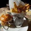 batatas fritas trufadas com queijo parmesão