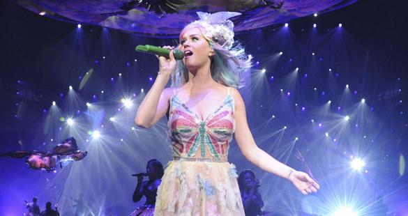Katy Perry anuncia shows extras da turnê mundial em São Paulo e Curitiba