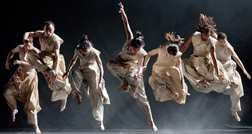Dança de Bausch no Alfa
