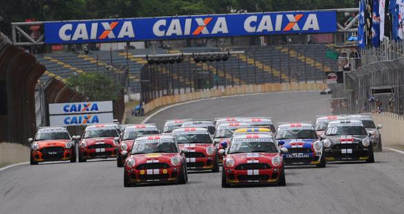 MINI Challenge Cup agita Interlagos