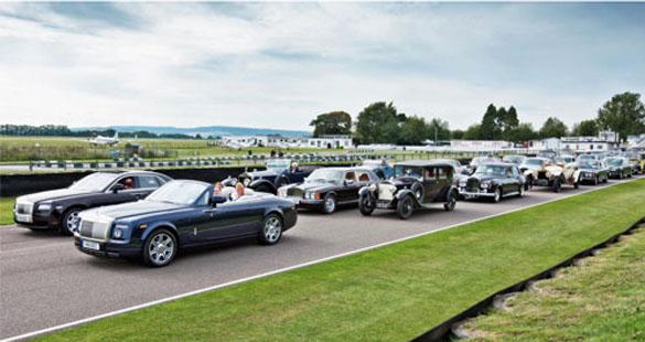 Rolls-Royce comemora centenário com desfile