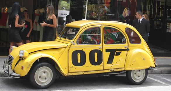 2CV: carro do filme 007