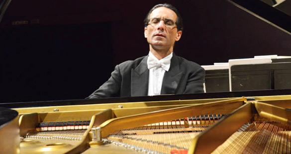 Alvaro Siviero interpreta Brahms na Sala São Paulo