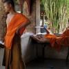 Luang Prabang, novices - imagem flickr Hanoi Mark