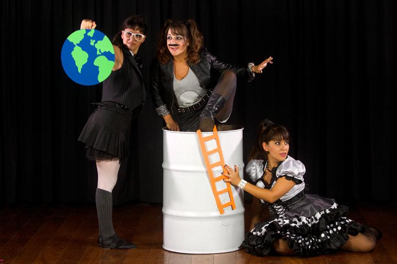 O Rinoceronte, a Lua e o Tonel no Teatro MuBE Nova Cultural