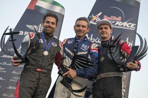 Pódio nos EAU com Hanes Arch, Paul Bonhomme e Pete McLeod