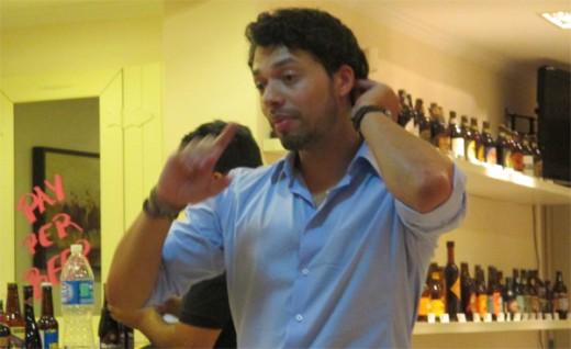 O Sommelier de Cerveja Digão Cachete (Foto: Marcos Garcia/PPOW)