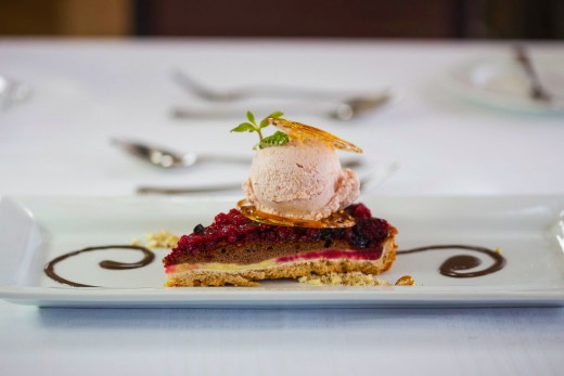 Cheese-cake-de-frutas-vermelhas-com-sorvete-de-murta-e-marmelo