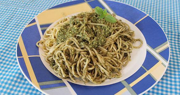 Espaguete ao Pesto Genovês