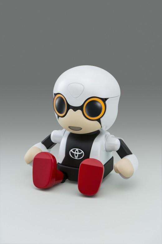 Robô Kirobo Mini foi criado para acompanhar seus donos em todos os lugares e dialogar com eles por meio de expressões e gestos