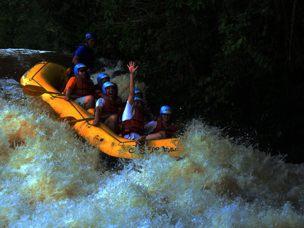 Feriado 15 Nov :: Adrenalina e aventura em Brotas!