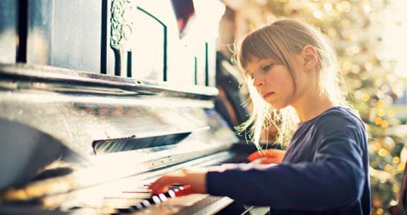 Por que seu filho deveria aprender música?