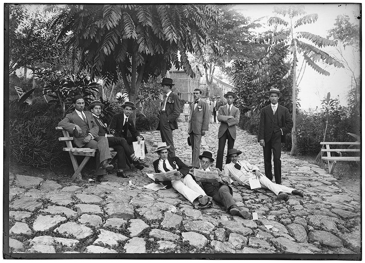 Exposição no IMS-RJ mostra Minas Gerais do começo do século XX nas fotografias de Chichico Alkmim