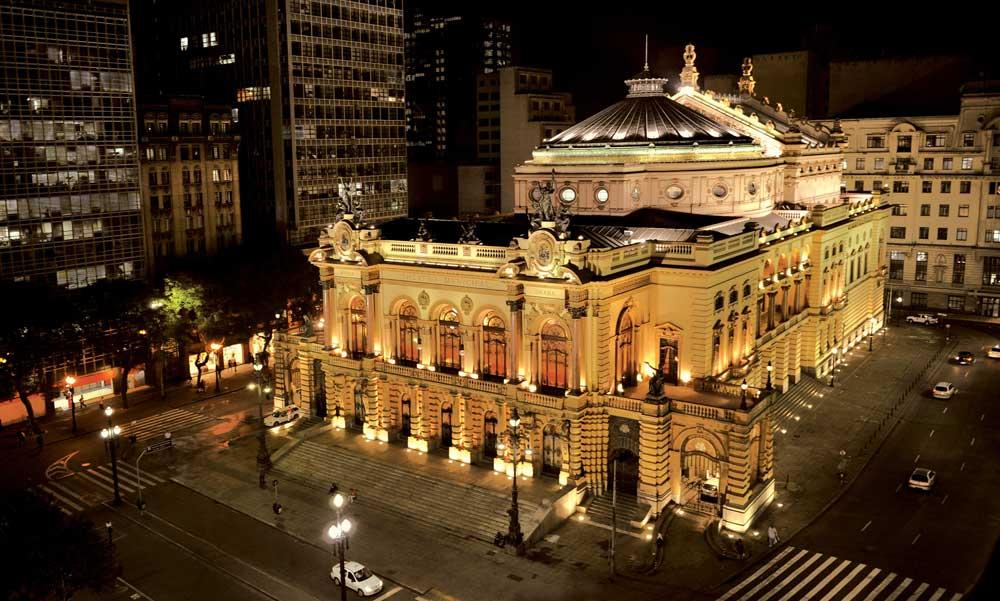 Orquestra Sinfônica Municipal e Coro Lírico apresentam Edvard Grieg e Mozart no palco do Municipal
